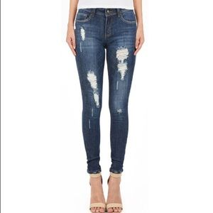 Distressed Denim Skinny Jeans. Great Fit!